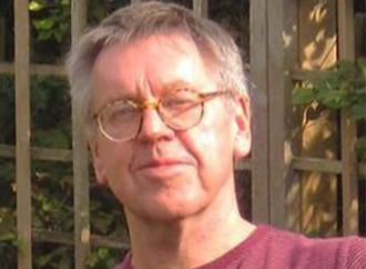 Dr Christopher Belshaw