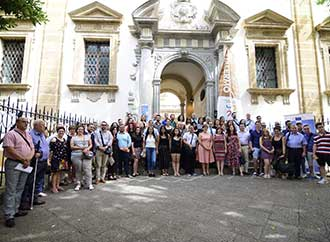 Group photo - European Studies students and staff in Sicily