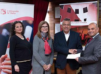 KKU present cheque to RIDT