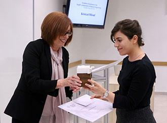 MaKS Dean's Award - Prof. N. Brockdorff and student