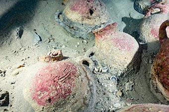 Amphora in the deep sea