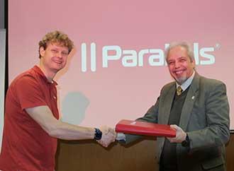 Nick Dobrovolskiy and Prof. Ernest Cachia
