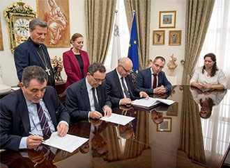 Signing of agreement for dental clinic in Gozo