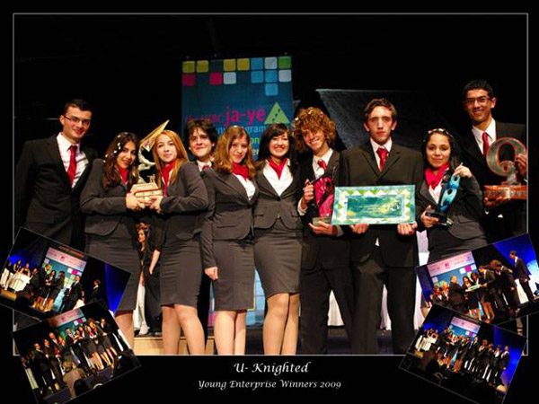 Junior College teams place first and second in the 2009 HSBC Young Enterprise Competition