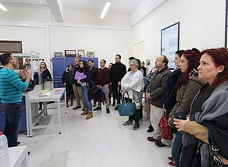 Teachers visit Faculty of Science lab